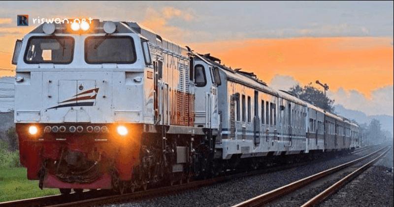 Liburan ke malang - Transportasi Kereta Api