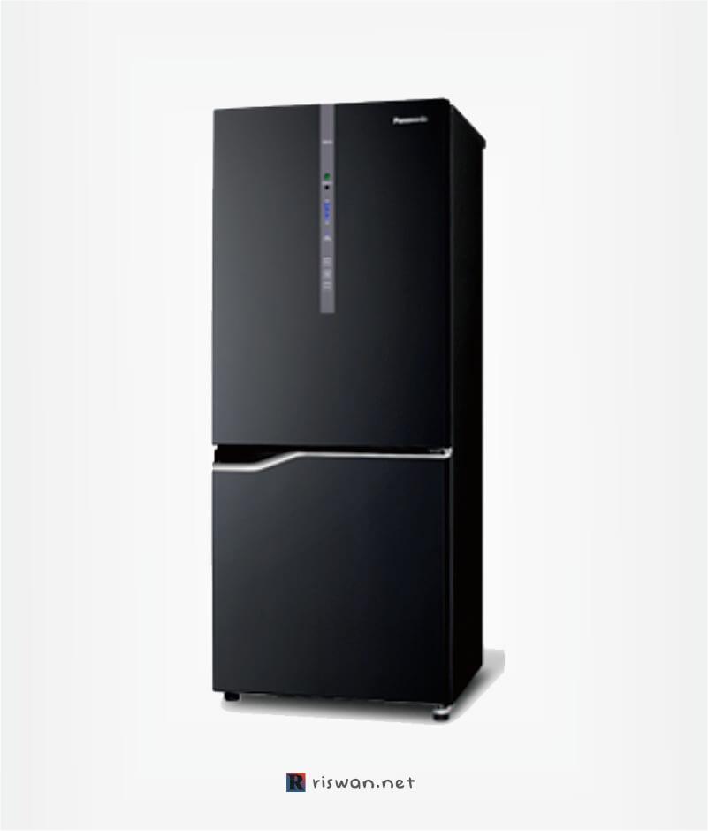 Panasonic 2 pintu jenis NR-BV288G-K1D dengan Inventer dan Econavi System